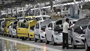 भारतीय कारों की बिक्री घटी