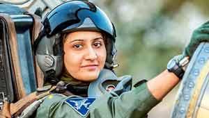 महिला लड़ाकू पायलट-आयशा फारुख