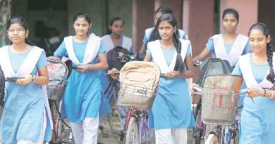 सरकारी स्कूल को मजबूत करना जरूरी