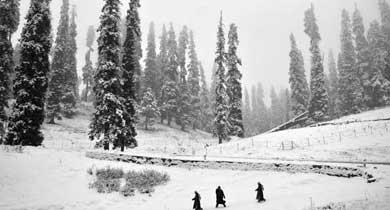 हिम स्खलन जम्मू कश्मीर में ब्रिटेन ने की जांच की मांग